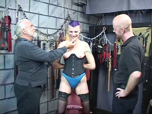 hot bdsm goth chick receives ass spanked with