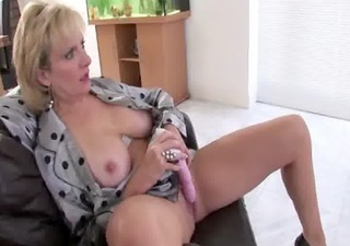 solo mature brit babe lady sonia
