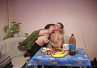 Russian mother gets fucked